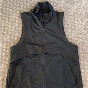 Lululemon black vest - light weight and fitted!